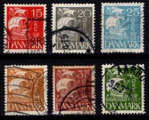 Denmark 1927 Caravel (solid background), Set [Used]