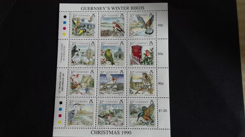 Guernsey 1990 Christmas stamps  Mint