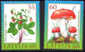Latvia Sc 742-3 2009 Berries Mushroom stamp set mint NH