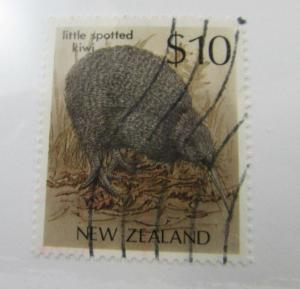 New Zealand SC #930 LITTLE SPOTTED KIWI  used stamp