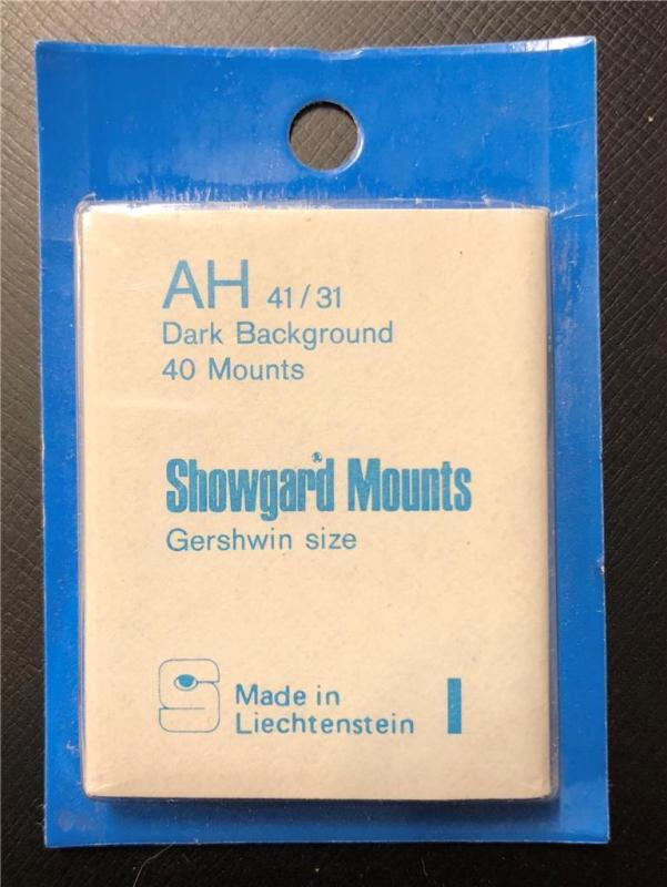Stamp Mounts Supplies Showgard New 40 mounts 41mm by 31mm Black back Precut