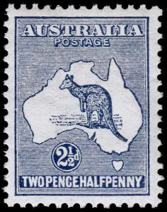 Australia Scott 4 (1913) Mint VLH VF, CV $70.00 M