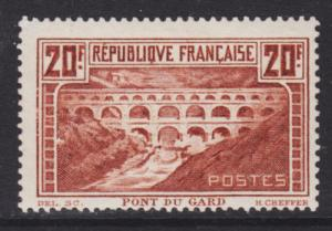 France Sc 253 MLH. 1929 20fr red brown Port du Gard, Die I, F-VF