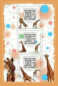 Guinea - 2013 Giraffes on Stamps - 3 Stamp Sheet - 7B-2269