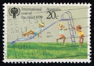Australia #712 IYC; Children Playing; used (0.25)