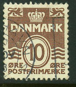 Denmark 229, 10o Wavy lines. Used. (369)