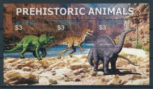[107102] St. Kitts 2005 Prehistoric animals dinosaurs Triceratops Sheet MNH