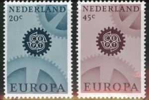 Netherlands Scott 444-445 MH* 1967 Europa set