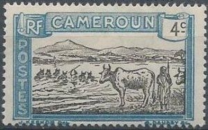 Cameroun 172 (mh) 4c cattle at Sanaga River, blue & black (1925)