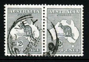 AUSTRALIA 1915 'Roo 2d. Grey A PAIR Die I Wmk Narrow Crown  Perf 12 SG 35 VFU
