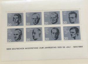 Germany 890 MNH Sheet of 8 SCV $4.40
