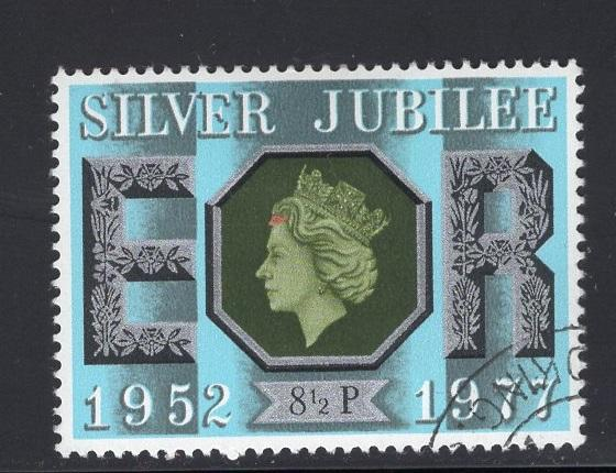 Great Britain  #810  cancelled  1977  Silver Jubilee  8 1/2p
