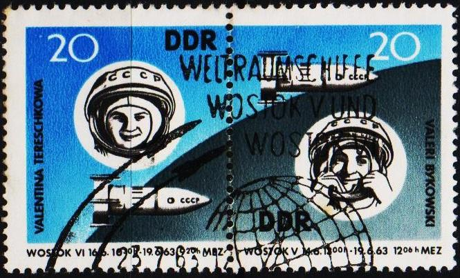 Germany(DDR). 1963 20pf (Pair) S.G.E691/E692 Fine Used