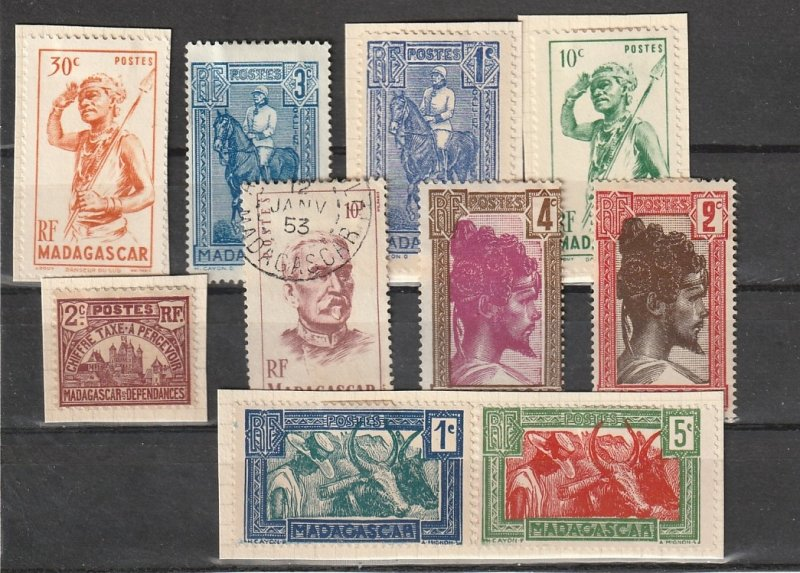 Madagascar Mint NG & on paper lot #190829-2