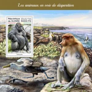 GUINEA - 2018 - Endangered Animals - Perf Souv Sheet - MNH