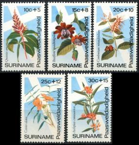 1974 Surinam 666-670 Flowers 5,00 €
