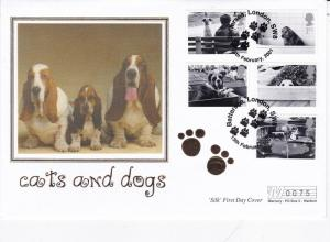 GB 2001 Cats and Dogs (Dogs) Mercury SIlk FDC With enclosure 75/5000 VGC