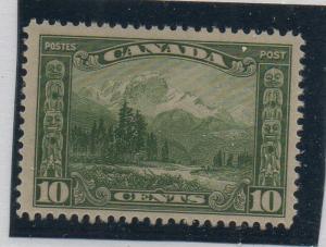 Canada Sc 155 1928 10c Mt Hurd stamp stamp mint NH