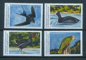 [108768] Gren. Carriacou & Petite Martinique 2000 Birds Parrot Swallow  MNH