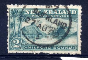 New Zealand, sg 269 perf 10 1/2, 2/- blue green, fine used, cat £55