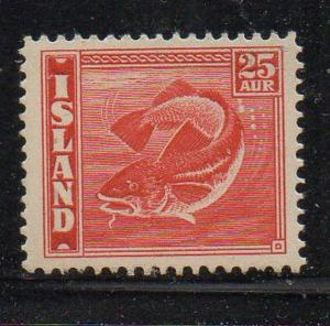 Iceland Sc 224 1940 25 aur bright red fish stamp mint NH