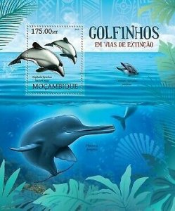 Mozambique MNH S/S Endangered Dolphins Marine Life 2012