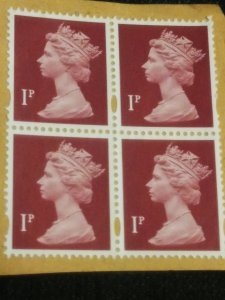 Great Britain 2960 unused XF block of 4 on paper