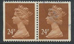 Great Britain SG X969  pair used from Booklet X925m Machin 24p