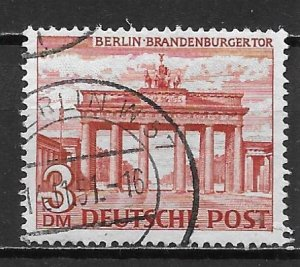 Germany Berlin 9N59 3m Brandenburg Gate single Used (z2)