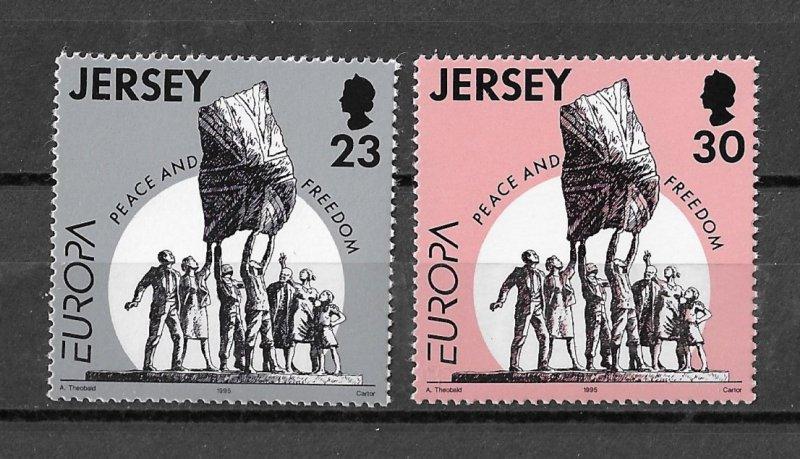 Jersey MNH 698-9 Peace & Freedom 1995