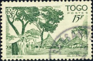 TOGO - 1947 - Yv.251/Mi.210 15fr vert Cases Cabraises - Oblitéré TB