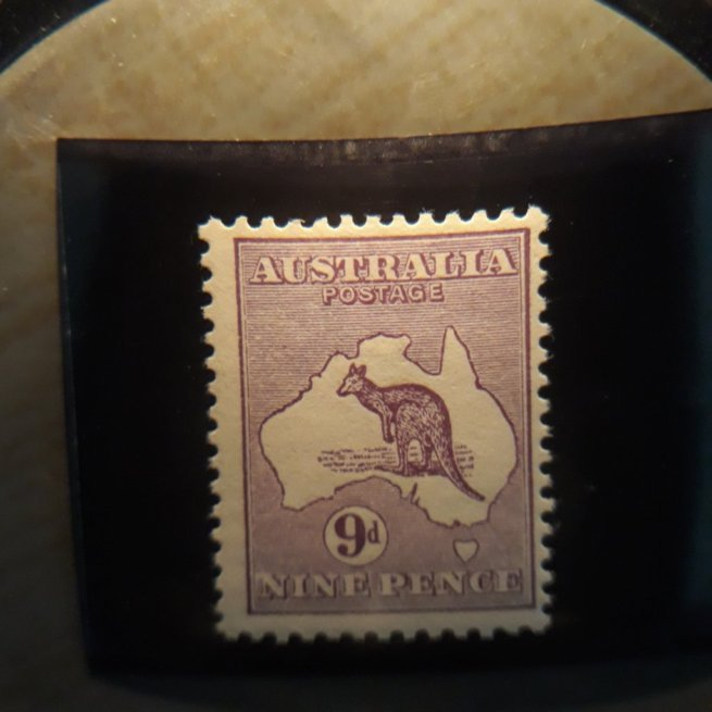 australia  9  1913  9p purple  FVF  LH