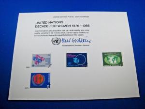UNITED NATIONS SOUVENIR CARD - SCOTT #SC17 - DECADE FOR WOMEN 1976-1985