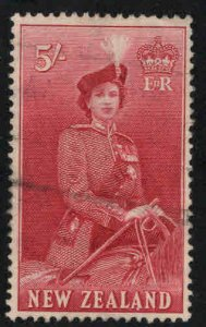 New Zealand Scott 300 Used QE2 on Horse stamp