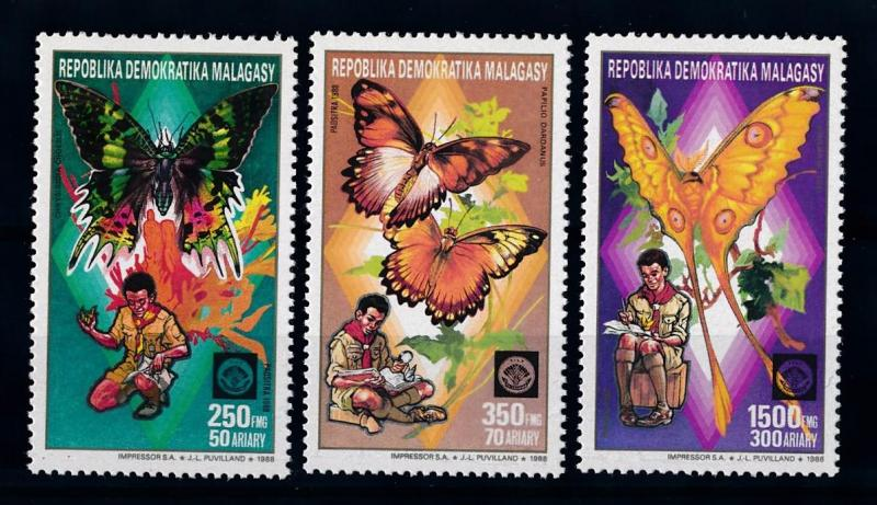 [70741] Madagascar 1988 Insects Butterflies Scouting From set MNH