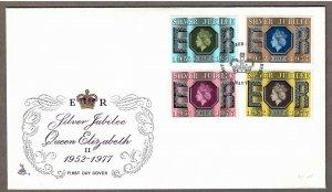 UK # 810 & 812 - 814 , Silver Jubilee QEII FDC - I Combine S/H