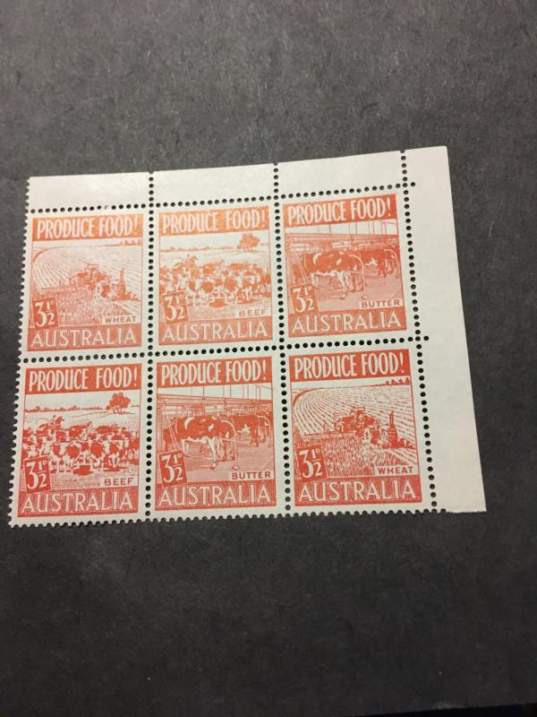 Australia #255a Mint 1953 UR Block of Six With 2 strips of 3 Diff. Top 2LH 4 NH