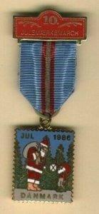 Denmark. Christmas Seal 1986 Walk Medal 10 years. Santa, Tree,Light.