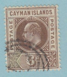CAYMAN ISLANDS 11 USED   NO FAULTS VERY  FINE !