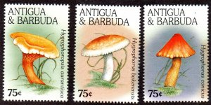 ANTIGUA & BARBUDA 1967a-c MNH SCV $4.70 BIN $2.85 MUSHROOMS