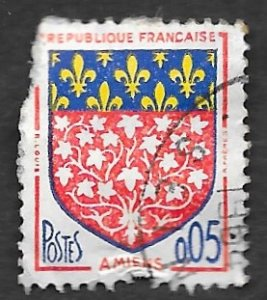 France Scott #1040 5c Coat of Arms-Amiens (1986) Used