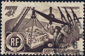 St-PIERRE-&-MIQUELON - 1947 Yv.337/Mi.359 4fr brun-lilas Pêche - Oblitéré TB