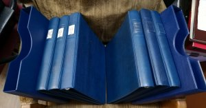 1 LINDNER PLAIN 18 RING ALBUMS Blue in color  VERY GOOD CONDITION