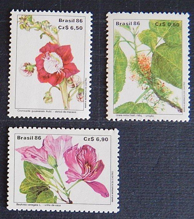 Brazil, Flowers, (№1550-Т)
