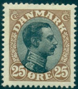 DENMARK #107 (141) 25ore Chr.X, og, XLH, VF, Scott $85.00