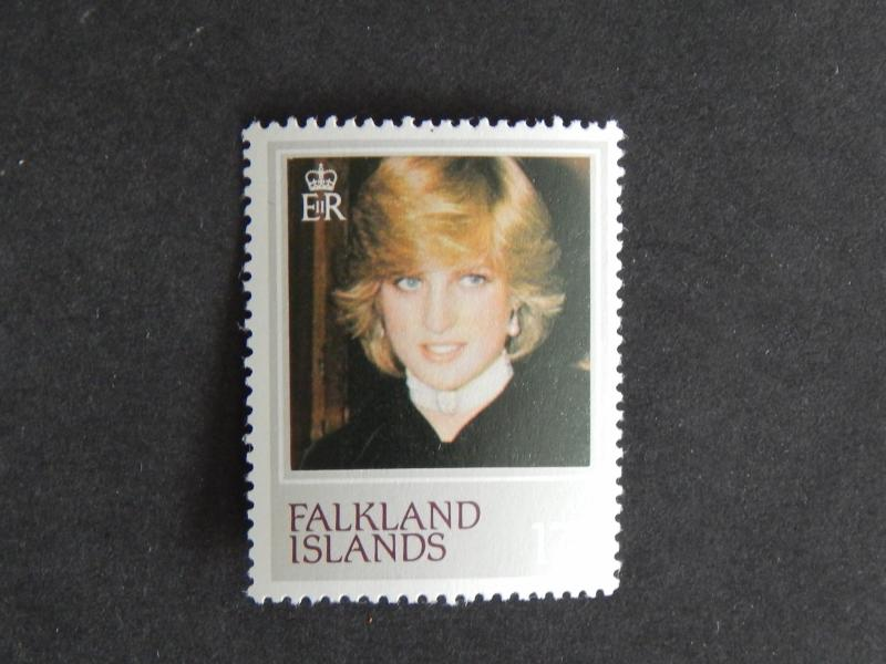 FALKLAND ISLANDS 1982 THE 21ST ANNIVERSARY OF THE BIRTH OF PRINCESS DIANA 17P MN