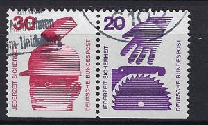 Germany Bund Scott # 1078 + 1076, used, variation se-tenant + SE bottom, W56