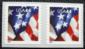 US #4395 MNH Coil Pair, American Flag, SCV $1.80