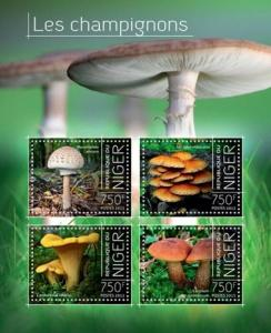 Niger - 2013 Exotic Mushrooms of Africa  4 Stamp Sheet 14A-346