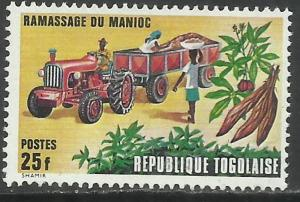 TOGO REPUBLIQUE TOGOLAISE 1972 RAMASSAGE DU MANIOC Cassava collection by truc...